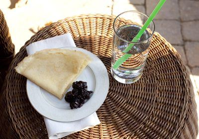 Hungarian Kitchen – Palacsinta with Blueberry Compote