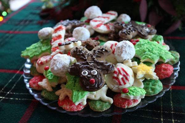 Despite my embarrassment, the cookies still made it onto my cookie plates (you can see one next to the Reindeer cookie)